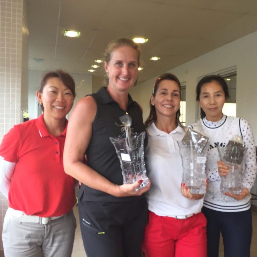Equipe vice-campeã: da esquerda para direita: (Sra. Regiane Koyama), Susana Portugal, Adriana Melo e Lami Kim.